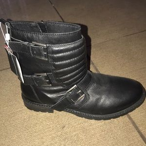 New with tags! Zara black buckle boots